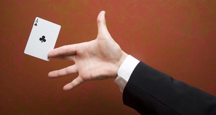 Zaubern mit Kartentricks