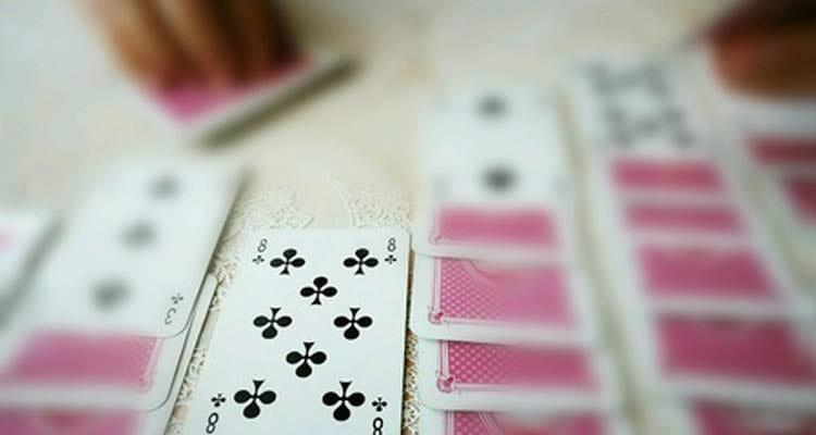 Solitär als Kartenablegespiel