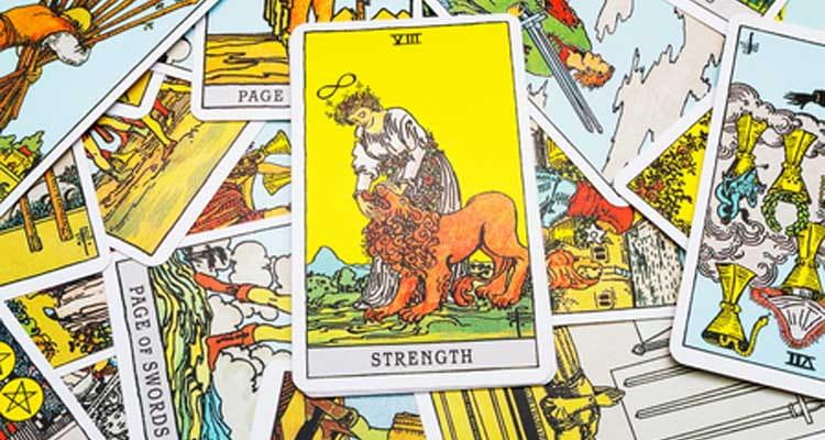 Tarot - das mystische Kartenlegen